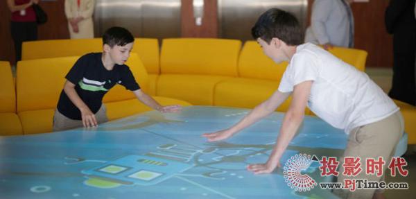 圣约瑟夫健康中心儿童诊所采用互动投影优化就诊体验