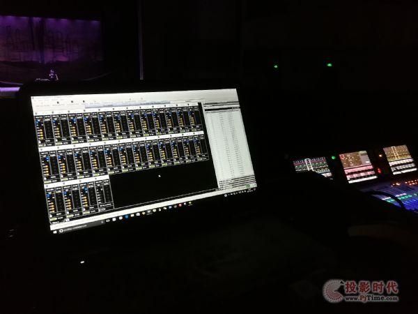 Shure ULX-D数字无线系统文艺汇演《守望相助》