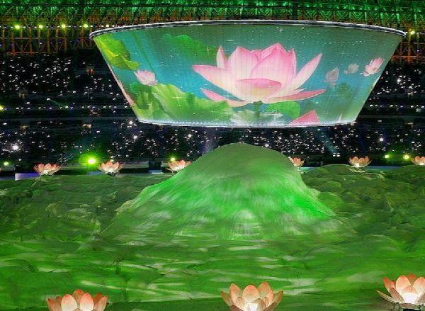 天津奥体的海市蜃楼:3D全息投影盛宴