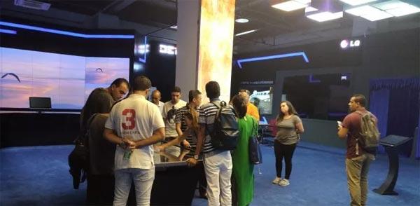 阿拉伯国家舞美技术考察团参观DET德浩集团