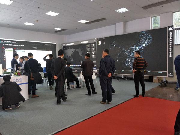 LANBO平板投影或许是最佳的室内超大尺寸显示屏