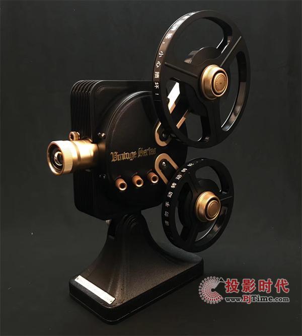 双十一就购它了,坚果1895电影机价格直降3000元