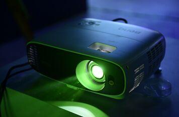 明基W1700踏轻灵创新之路,为4K家庭影院普及化破冰