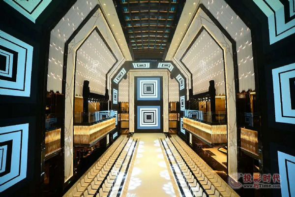 利亚德为超五星酒店打造最大室内异形屏