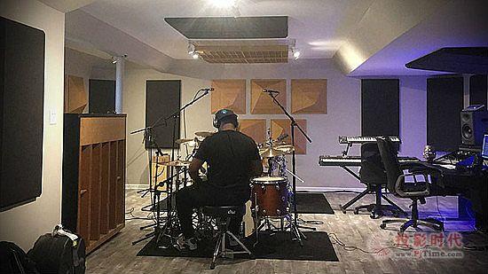 Adele的鼓手选择Auralex声学材料