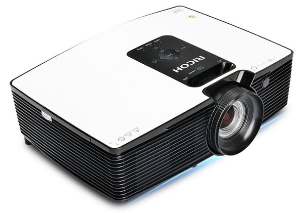 媲美4K级享受,理光PJ HD1080家用投影机仅5999元