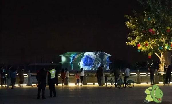 不可思议!因为DET激光投影机户外秀,这个景点的游客涨了数倍!