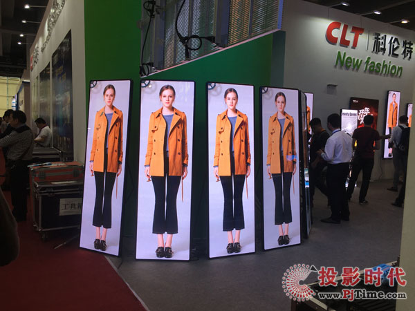 可单人移动LED商显海报屏