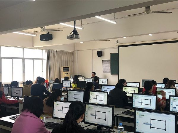 南昌洪都中学举办信息技术教学应用培训,希沃培训服务受称赞