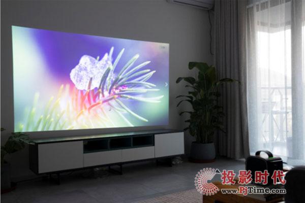 作为一台1080p智能投影酷乐视R4风尚能打几分?