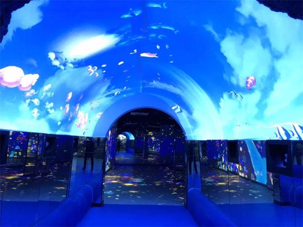如何用激光投影机打造梦幻景区,让游客尽享舒适时光?