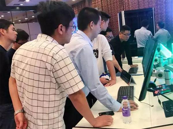 小鸟巡展:话用户体验对杭州人的重要性!
