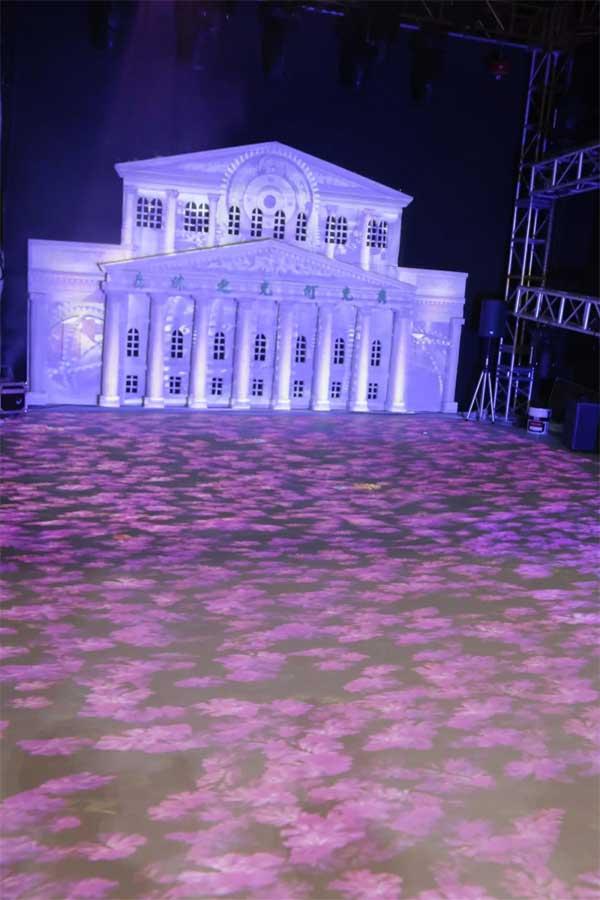 DET-SU2配合舞台灯倾情打造整体灯光秀解决方案