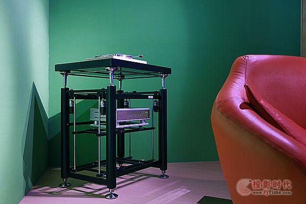升级新材质:Artesania Audio旗舰音响架