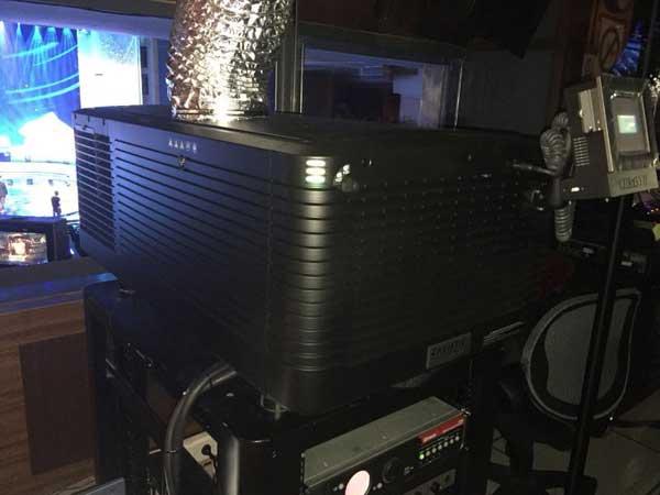 科视Christie CP4230 4k电影机用于开幕片《动物世界》的放映