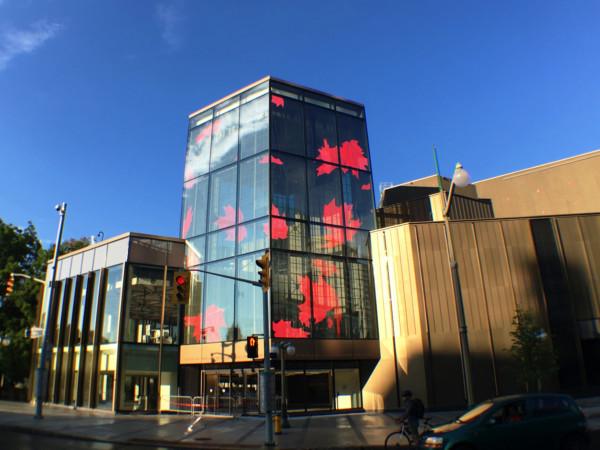 LED灯塔点亮渥太华国家艺术中心