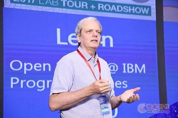 IBM开放技术副总裁 Todd Moore