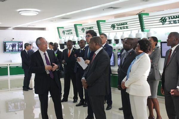 安哥拉总统洛伦索10月10日下午莅临天地伟业