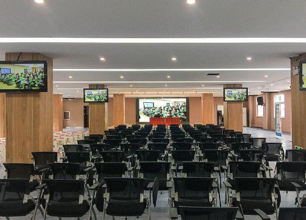 Voury卓华小间距LED显示屏应用于郑州市金水区教育体育局文化路一小