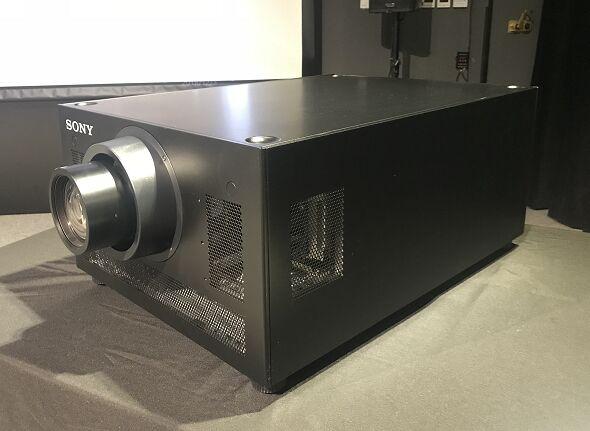 索尼全球首台SRX-R608激光放映机交付保利数字实验室