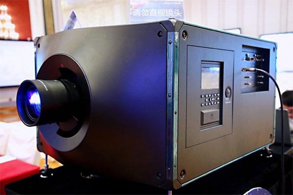 D4K40-RGB真激光投影机