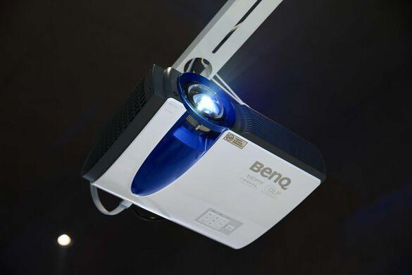 很蓝很亮的我面世啦!明基BenQ激光商务投影机正式发售
