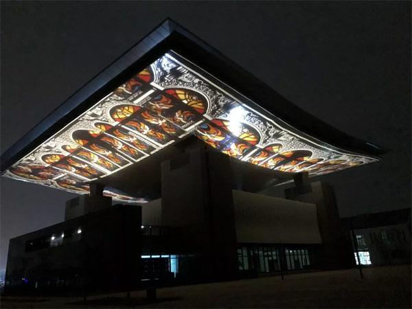 精彩!68台DET激光投影机为德州太阳能小镇增辉添色