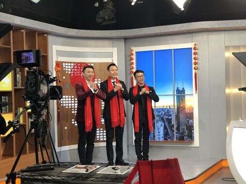 坚果激光电视做客深圳财经频道