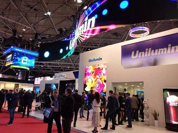 Mini-LED 0.9,行业新发展阶段的里程碑