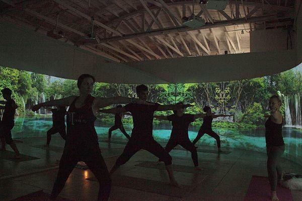 松下激光投影机在Oraya健康工作室创造沉浸式体验