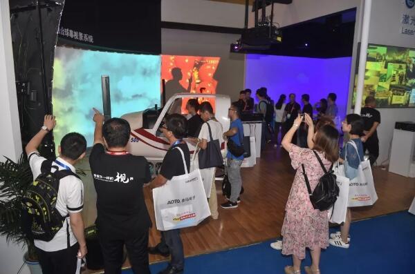 新品齐齐汇集成都InfoComm China展会 到现场亲身体验未来的技术创新!