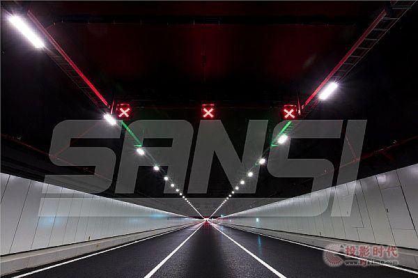 港珠澳大桥跨海隧道照明