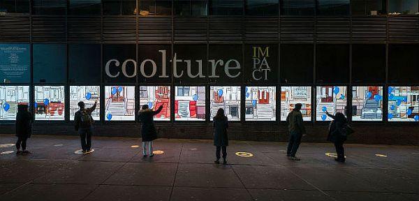 纽约港务局巴士总站LED视频墙吸引路人互动
