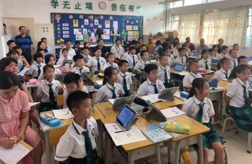 奥威亚助广东教育信息化应用研讨活动