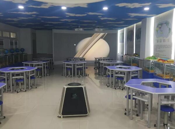 羿飞教育打破传统教学制约记牡丹江第四中学数字化地理专用教室