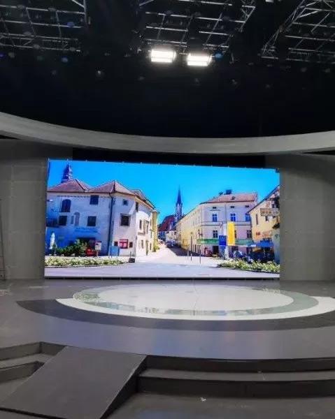 雷曼光电广电级COB超高清显示屏绽放咸阳市广播电视台全媒体演播室