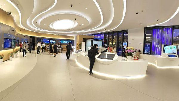 上海首家5G+智能银行