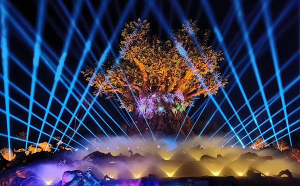 """科视投影赋予""""生命之树""""光影秀和 4D 影院超群视效,为银基动物王国锦上添花"""