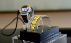 智晶光电展示新款柔性及透明<font color='#FF0000'>PMOLED</font>原型