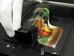 下一代平板显示:OLED/MICRO&nbsp;LED/<font color='#FF0000'>QLED</font>谁将胜出