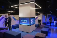 IMAX首家<font color='#FF0000'>VR</font>影院在洛杉矶开张&nbsp;配备最高端<font color='#FF0000'>VR</font>观影设备