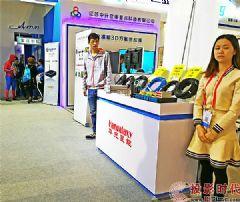 InfoCommChina2017,华光昱能传输系统实力担纲Panasonic和视美乐全场投影机<font color='#FF0000'>4K</font>信号传输