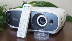 明基轻4K家用投影机W1700评测