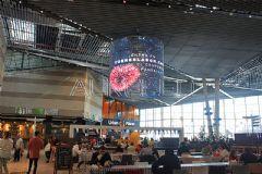 奥蕾达LED透明屏闪耀西班牙Lagoh购物中心