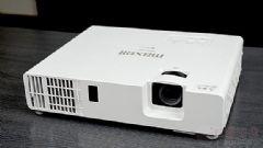 麦克赛尔MMP-J4001U激光投影机评测